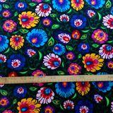 Folk kvety na čiernej bavlnená látka 160cm