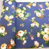 Kráľovská modrá s ružami