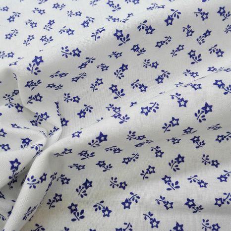 Biela s tradičnými modrými kvietkami modrotlač česká bavlna